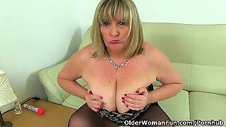brit milf Alisha Rydes masturbates in stunning stockings