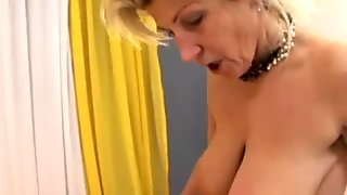 Warm Facial for My busty Wife Renate