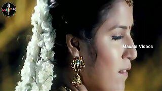 Shruthi mahotras jugoso ombligo en sari de cadera baja