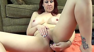Busty MILF Lia Shayde fucks her mature pussy with veggies