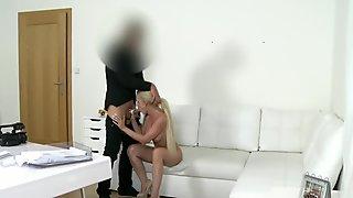 Bẽn lẽn bà nội trợ fucked tại vai thử cho phim khiêu dâm