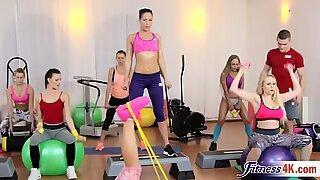 مذهل ملاك ويكي و كاتارينا موتي في جنس رائع ثلاثي صالة الرياضة action
