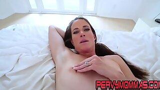 Cougar slut sucking cock