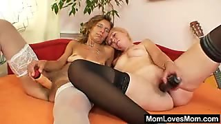 Woolly housewife gets toyed by weird blonde mom